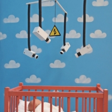 Mobile bébé par Banksy