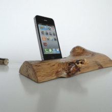 Dock iPhone en bois